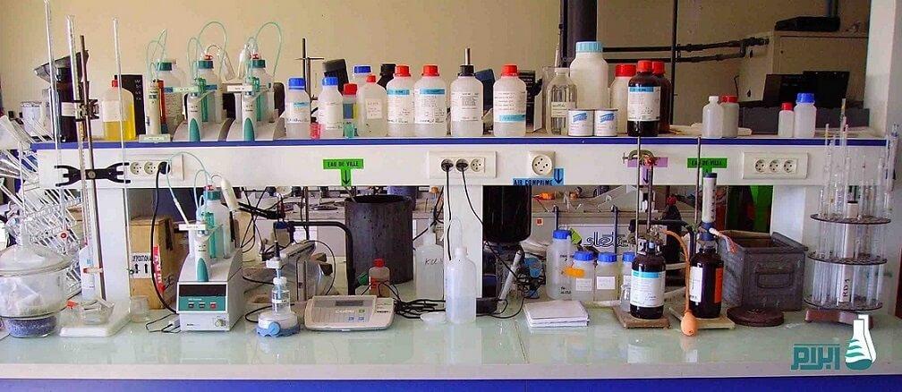 آزمایشگاه میکروبیولوژی آب و فاضلاب
